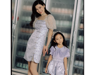MAXRIENY 母亲节特辑 复古风衣服搭配,母子温情时刻
